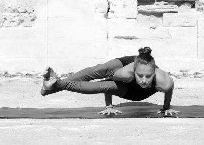 astavakrasana-yoga-montpellier-marion-ashtanga