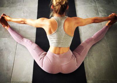 upavistha-konasana-yoga-montpellier-marion-ashtanga-vinyasa